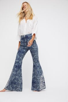 Product Image: Embellished Float On Flare Funky Outfits, Casual Outfits, Denim Fashion, Fashion Models, Street Fashion, Women's Fashion, 60s And 70s Fashion, Hippie Look, Flare Jeans