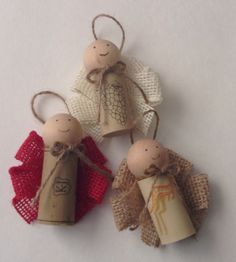 These cute wine cork angels are made using burlap ribbon wings and jute halos. They make a great gift for your wine enthusiast or for any