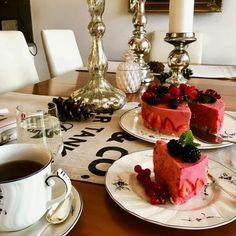 Smoothie strawberry cake