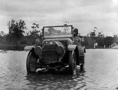 1914 Main Gippsland Road in flood at Rosedale