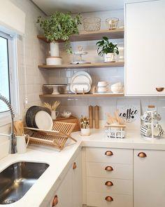 Home Interior Boho Kitchen Dinning, Kitchen Sets, Home Decor Kitchen, Kitchen Furniture, Kitchen Interior, Home Kitchens, Home Design Decor, Küchen Design, Cuisines Design