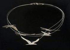 Terns in Flight, necklace by Dana Cassara, photo credit Geoffrey Barker Bird Jewelry, Animal Jewelry, Metal Jewelry, Jewelry Art, Silver Jewelry, Jewelry Accessories, Jewelry Necklaces, Jewelry Design, Fashion Jewelry