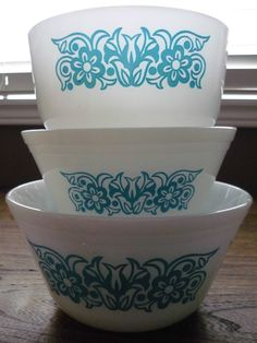 White and Turquoise/ Aqua Blue Mixing Bowls - Set of 3 - Federal Glass - Pyrex | eBay
