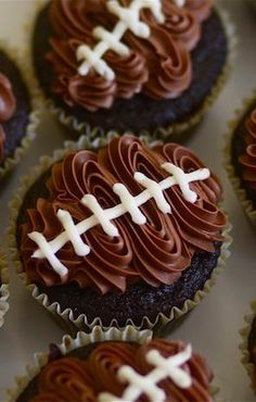 Here are ten of our favorite tasty tailgating snacks! These football cupcakes would also be cute for a Super Bowl party! Football Cupcakes, Football Food, Football Treats, Football Parties, Cheerleading Cupcakes, Football Desserts, Football Party Decorations, Football Banquet, Football Party Foods