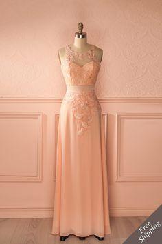 Robe longue dentelle rose clair découpes filet cristaux - Light pink lace maxi dress mesh cut-outs crystals
