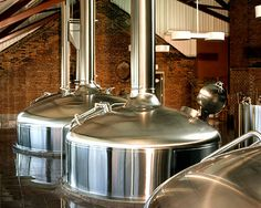 Try an award winning pint and a bite to eat bewtween city attractions at Cleveland's famous Great Lakes Brewing Company. Great Lakes Brewery, Beer Brewery, Home Brewing Beer, Brewery Equipment, Home Brewing Equipment, Brewery Interior, Homemade Beer, Brew Pub, Beer Tasting
