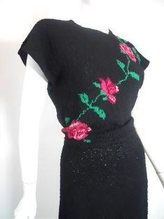 Gorgeous black silk yarn knit dress with rose design on bodice. Retro Vintage Dresses, 1940s Dresses, Vintage Outfits, Vintage Fashion, Vintage Clothing, Dance Fashion, Fashion Dresses, Vintage Wardrobe, Vintage Knitting