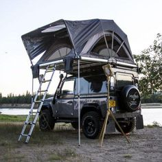 High Country Roof Top Tent Whether its a short or long adventure. Freespirits line up of roof top tents keeps you high and dry for any camping or hunting Jeep Camping, Camping World, Camping Hacks, Camping Needs, Top Tents, Roof Top Tent, Jeep Rubicon, Jimny Suzuki, Kombi Home