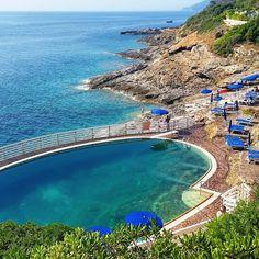 Buona domenica da #capodarco tra #portoazzurro e #riomarina . Continuate a taggare le vostre foto con #isoladelbaapp il tag delle vostre #vacanze all'#isoladelba. http://ift.tt/1NHxzN3