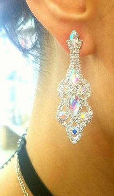 Fashion Jewelry, Trendy Jewelry, silver Earrings, Bridal Jewelry, Rhinestone Earrings #weddingjewelry  #Jewelryonpinterest Jewelry ideas