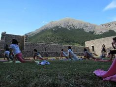 OUTDOOR YOGA LESSONS at Piccolomini Castle - Celano(AQ). http://www.theheartofabruzzo.it/index.php/our-retreats/services