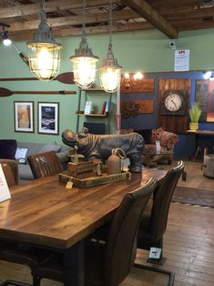 Sneak peak at our new showroom area Reclaimed Timber, Showroom, Dining Table, Rustic, Fun, Furniture, Home Decor, Country Primitive, Decoration Home