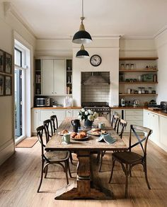 Inspirational ideas about Interior Interior Design and Home Decorating Style for Living Room Bedroom Kitchen and the entire home. Curated selection of home decor products. Kitchen Dinning, Kitchen Decor, Kitchen Design, Dining, Rustic Kitchen, Country Kitchen, Sweet Home, Kitchen Trends, Deco Design