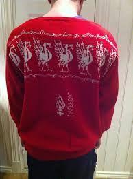 Bilderesultater for liverpool genser oppskrift Liverpool, Graphic Sweatshirt, Sweatshirts, Sweaters, Fashion, Moda, Fashion Styles, Trainers, Sweater