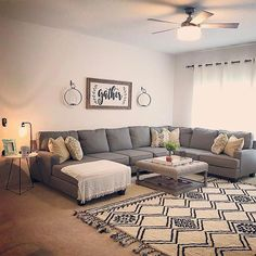Having small living room can be one of all your problem about decoration home. To solve that, you will create the illusion of a larger space and painting your small living room with bright colors c… Elegant Living Room, Cozy Living Rooms, Home Living Room, Apartment Living, Living Room Designs, Living Room Decor, Dining Rooms, Minimalist Living Room Furniture, Apartment Couch