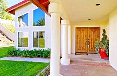 Beautifully remodeled home with gorgeous designs and decorations. http://www.teamaguilar.com/san-diego-ca-homes/1819-teton-pass-street-el-cajon-ca-92019-2000086103/