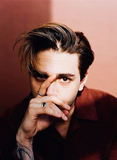 Xavier Dolan by Shayne Laverdiere [x] Xavier Dolan, Photography Poses For Men, Creative Photography, Portrait Photography, Selfies, Selfie Poses, Boy Celebrities, Men Photoshoot, Poses References