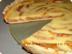 Tarta cu mere si iaurt Apple Desserts, No Cook Desserts, Dessert Recipes, Romanian Desserts, Romanian Food, Baby Food Recipes, Cooking Recipes, Good Food, Yummy Food