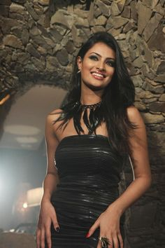 Sayali Bhagat's New Photoshoot for Dhobi Ghat New Collections   Bollywood Cleavage