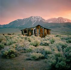 Scenic cabin in a mountain valley - abandoned, scenic, cabin, mountain, valley. Abandoned Buildings, Abandoned Places, Westerns, Primitive, Old Cabins, Into The West, Scenery Photography, Amazing Photography, Landscape Photography