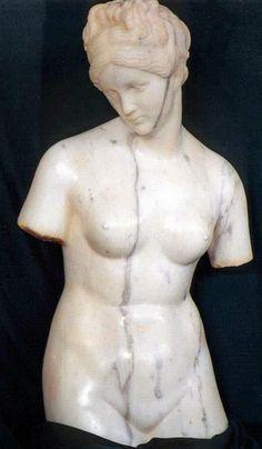 Statua in marmo scolpita a mano, di recente produzione