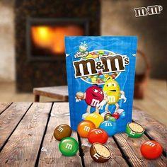 M&M's Austria - Das warme Knistern des Feuers gemeinsam mit dem unwiderstehlichen Knistern von M&M's Crispy. Mit wem teilt ihr das am liebsten