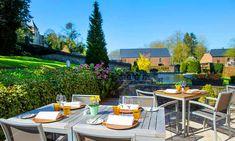 Belgische Ardennen: 1 of 2 nachten met ontbijt Petit Déjeuner Continental, Ardennes, Le Palais, Outdoor Furniture Sets, Outdoor Decor, Loire, Restaurant, Patio, Adventure
