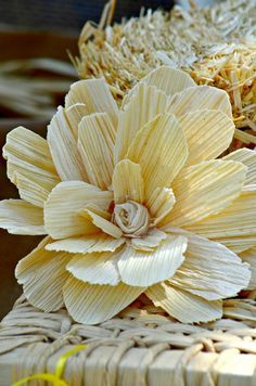 Fiesta Decoration Flower Made from Cornhusks #fiesta #cornhuskflower