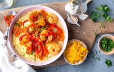 myfitnesspal recipes Swapping corn grits for cauliflower in this tasty Southern dish increases the fiber content by 5 grams. Shrimp Dishes, Shrimp Recipes, Cajun Recipes, Salad Recipes, Healthy Nutrition, Myfitnesspal Recipes, Cooking Recipes, Healthy Recipes, Health