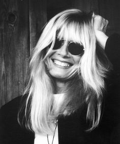Explore releases from Kim Carnes at Discogs. Shop for Vinyl, CDs and more from Kim Carnes at the Discogs Marketplace. Classic Singers, Avatar, Loreena Mckennitt, Bette Davis Eyes, Laughing Face, Bonnie Tyler, Betty Davis, Women Of Rock, People Of Interest