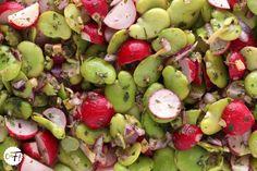 C'est ma fournée !: La salade de fèves et de radis d'Ottolenghi (et sa téhina !)