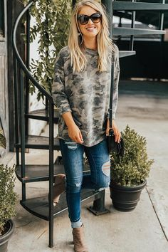 Tops Tops Cozy and Chill Camo Top<br> Fall Fashion Outfits, Casual Fall Outfits, Fall Winter Outfits, Spring Outfits, Autumn Fashion, My Fashion, Stylish Mom Outfits, Late Summer Outfits, Autumn Casual