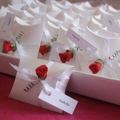 Gastgeschenk Hochzeit Tischkarte Schachtel Kissen pillow