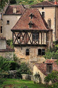 Häuser mit Seele. Leben in rustikal-romantischer Urbanität. St.Cirq-Lapopie ~ Lot