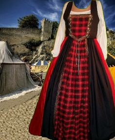 Scot Clan Tartan Style Medieval Costume SCA by CamelotsClosets