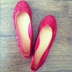 In love with these pink sparkle ballet flats from J. Crew!
