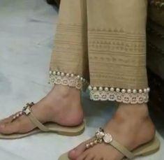 Salwar Pants, Plazzo Pants, Salwar Designs, Blouse Designs, Kurti Sleeves Design, Pants For Women, Clothes For Women, Pants Pattern, Sleeve Designs