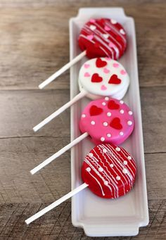 Valentine's Day Oreo Pops - 14 Amorous Valentine's Day Treats for All Love Birds