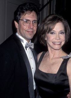Mary Tyler Moore with husband Robert Mary Tyler Moore Show, Comedy Series, Television Program, Her Smile, Famous People, Bob, Husband, Hollywood, Actresses