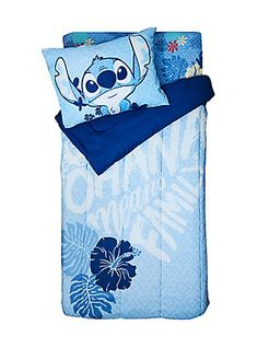 Disney Lilo & Stitch Ohana Means Family Twin XL Comforter, Lilo Stitch, Lelo And Stitch, Lilo And Stitch Quotes, Lilo And Stitch Ohana, Stitch Toy, Cute Stitch, Disney Stitch, Pijama Disney, Disney Bedding