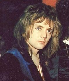 Read Friendship goals from the story QUEEN MEMES by Roger_Hot_Drummer with reads. Brian May, John Deacon, Freddie Mercury, Im In Love, Love Of My Life, Roger Taylor Queen, Freckles Girl, We Are The Champions, Ben Hardy