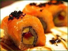sushi slickarzo I loved them, shame there isn't any sushi or maybe sashimi with list but everything is very good.I Love Sushi Nigiri Sushi, Sashimi, Sushi Recipes, Salmon Recipes, Asian Recipes, Salmon Roll, Salmon Sushi, Sushi Salad, Gourmet