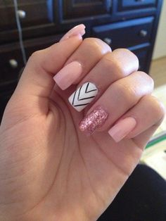 Pink Nude Nails With Glitters accent square nails Nude Nails With Glitter, Blue Acrylic Nails, Pink Nails, Chevron Nails, Pink Glitter, Gorgeous Nails, Love Nails, How To Do Nails, Pretty Nails