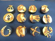 These Zodiac Cupcakes are the Perfect Treat for the Mystic in Your Life #desserts