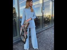 Great collection of fashion Spring 2020 looks to inspire you by street stylers, what who wear and unusual looks. Ideas how to combine and style your clothe. Color Of The Year, Spring Fashion, Trends, Awesome, Youtube, Ideas, Style, Fashion Styles, Fashion Spring