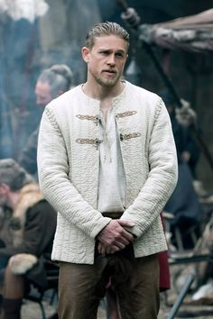 Just 16 Pictures of Charlie Hunnam Looking Hot as Hell in King Arthur