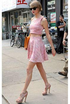 Taylor Swift #croptop #skirt #perfect