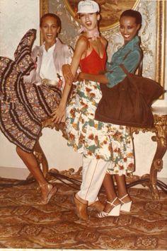vintage shot of Supermodels Alva Chinn, Pat Cleveland & Iman! 70s Inspired Fashion, 70s Fashion, Look Fashion, Fashion Models, Vintage Fashion, Fashion Outfits, Fashion Trends, Fashion Wear, Fashion 2018