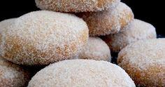 """De los suspiros  se puede decir que: """" Los suspiros son aire y van al aire """" o """" Los suspiros son besos que no se dan """" o """" Un suspiro es ai... Donut Recipes, Cooking Recipes, Pan Dulce, Pan Bread, Canapes, Scones, Donuts, Mango, Food And Drink"""