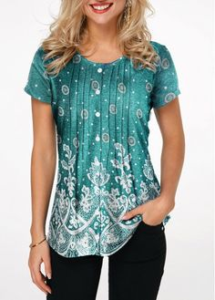 Stylish Tops For Girls, Trendy Tops, Trendy Fashion Tops, Trendy Tops For Women Stylish Tops For Girls, Trendy Tops For Women, Ladies Dress Design, Shirt Sale, Printed Blouse, Stripe Print, Fashion Outfits, Trendy Fashion, Nice Outfits